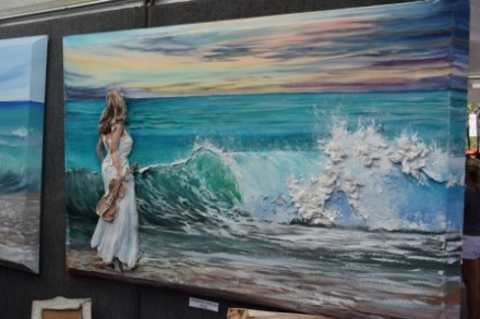 see the detail in the surf